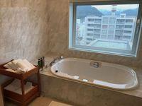 7_bathroom1.jpg