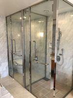 8_bathroom2.jpg