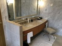 9_bathroom3.jpg